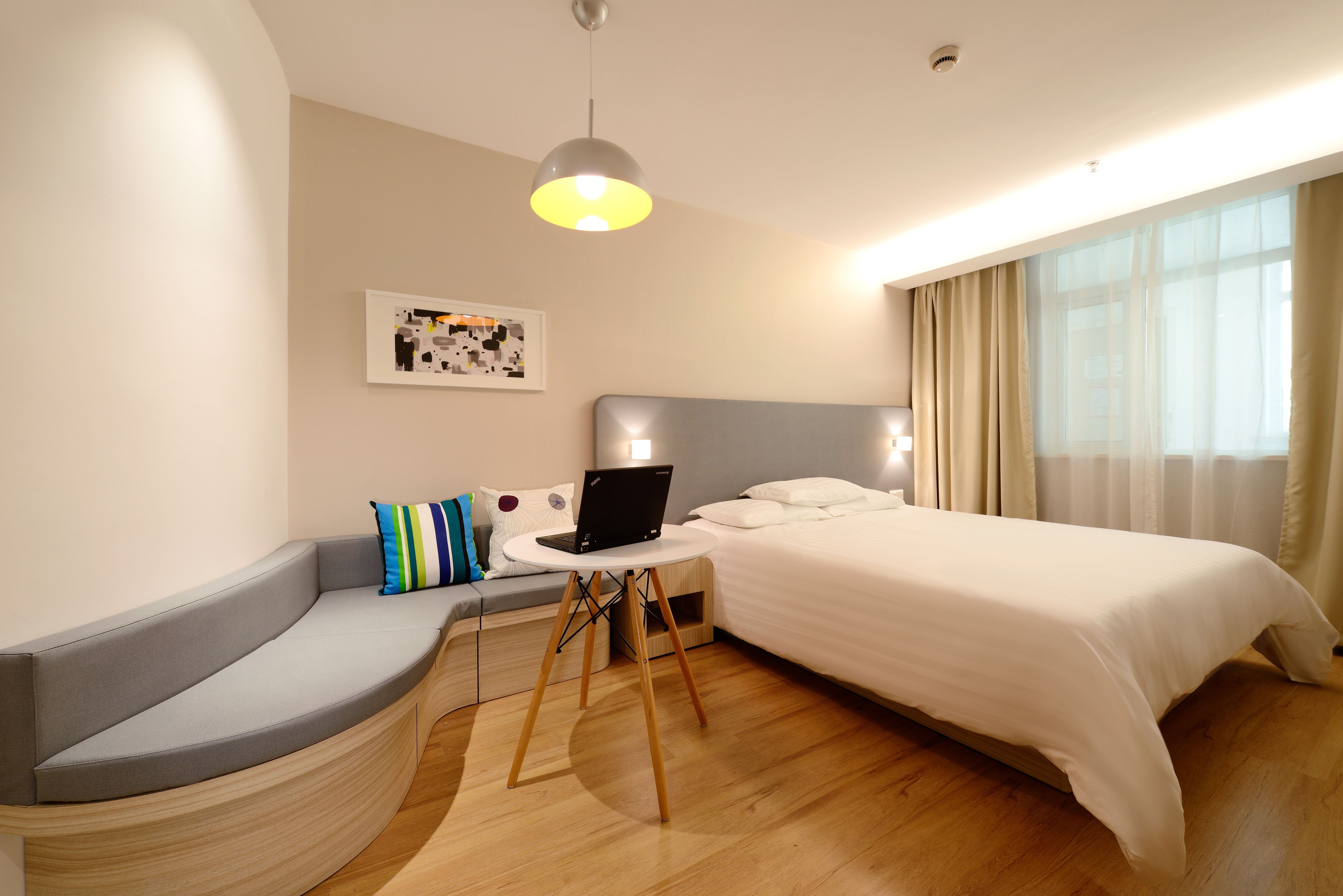 Interior Designing Tips: Creating Interiors Inspired by Hotel Rooms - Hamstech Blog