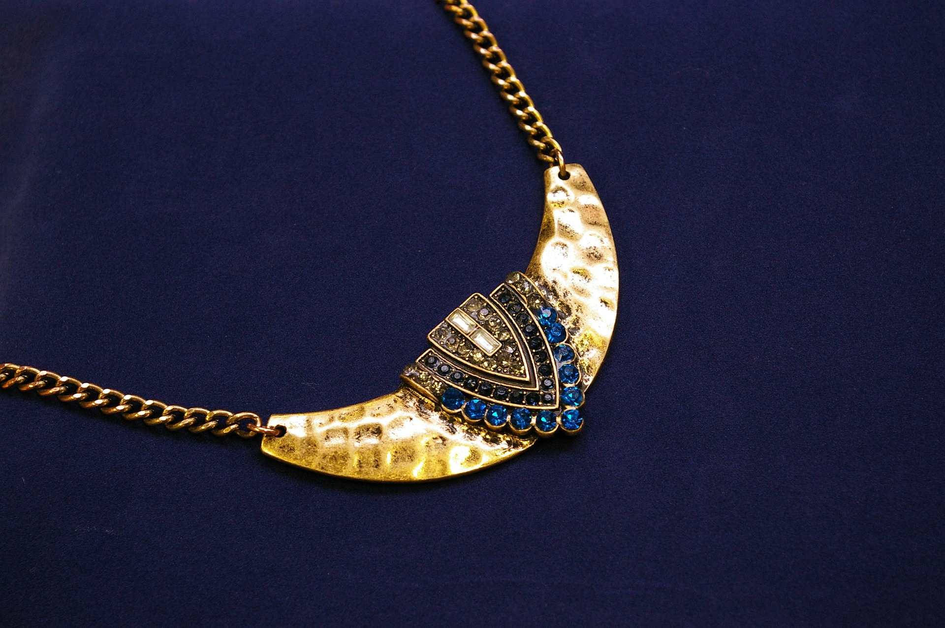 Jewellery Designing Tips: How to Increase the Value of Old ...
