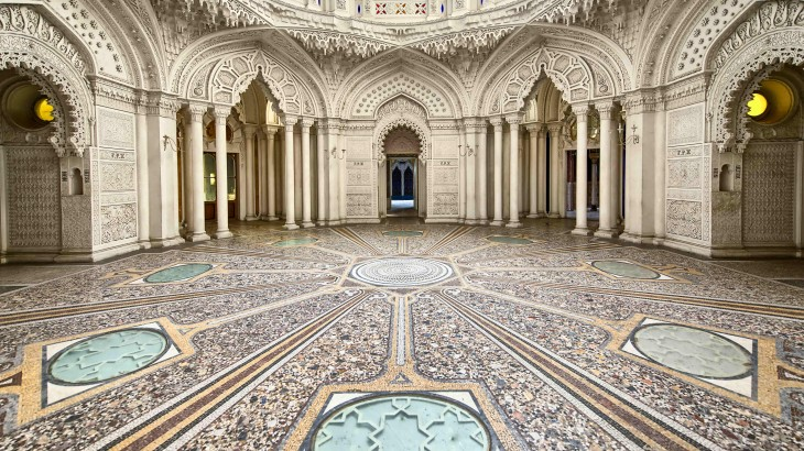 Lovely Interior Designing Guide: Best Features Of Indian Palace Interiors