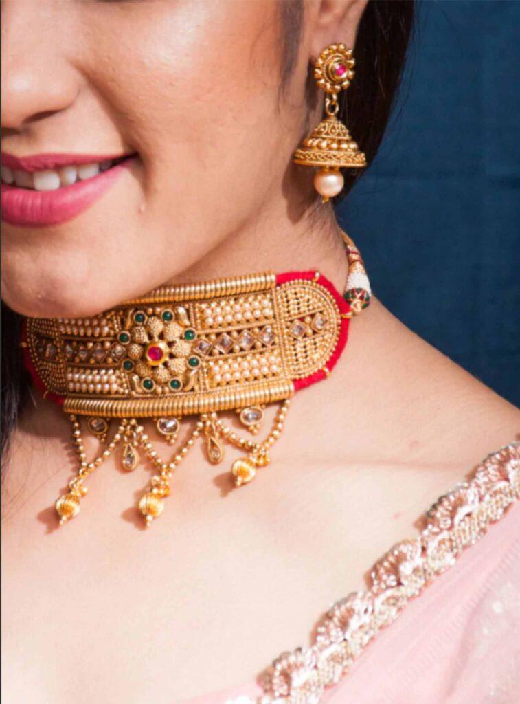 Fashion Styling_ Catchy Neckpieces